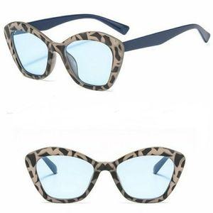 💋HP💋Blue Leopard Sunglasses